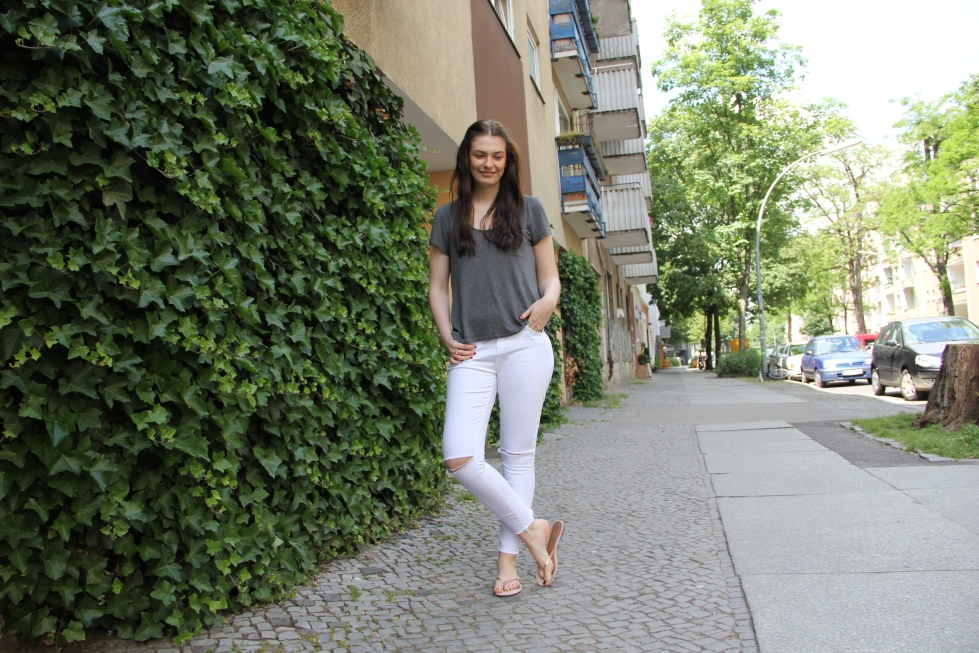 Style_by_Marie_Outfit_WhiteJeans5JPG