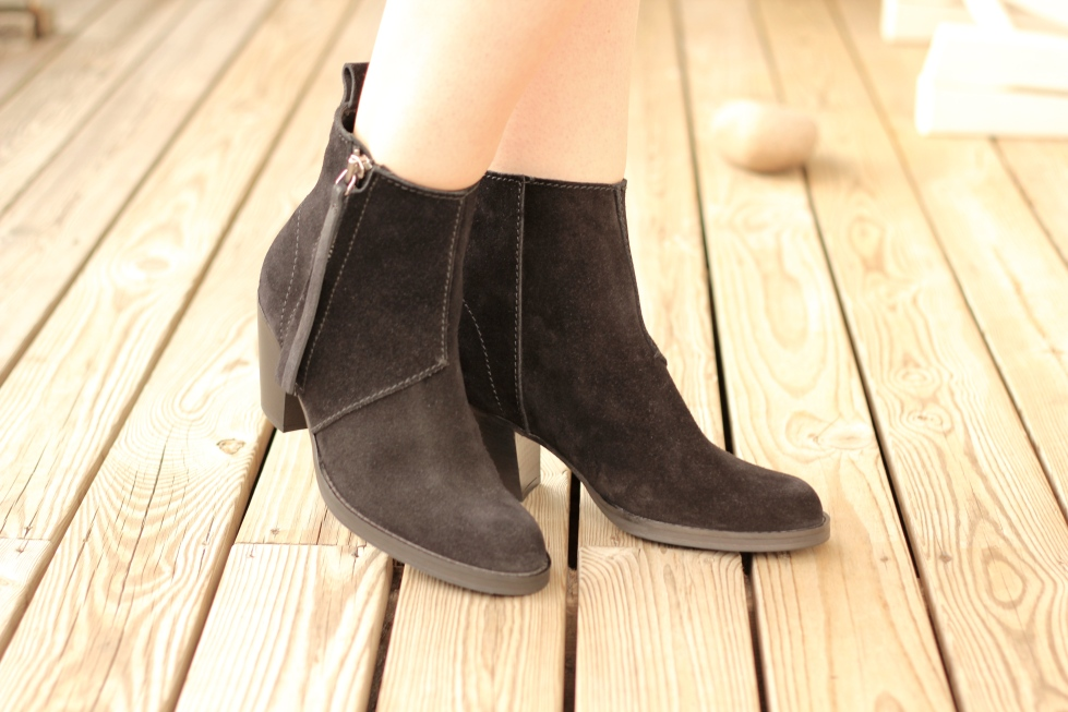 Style_by_Marie_Acne_Pistol_Boots_1