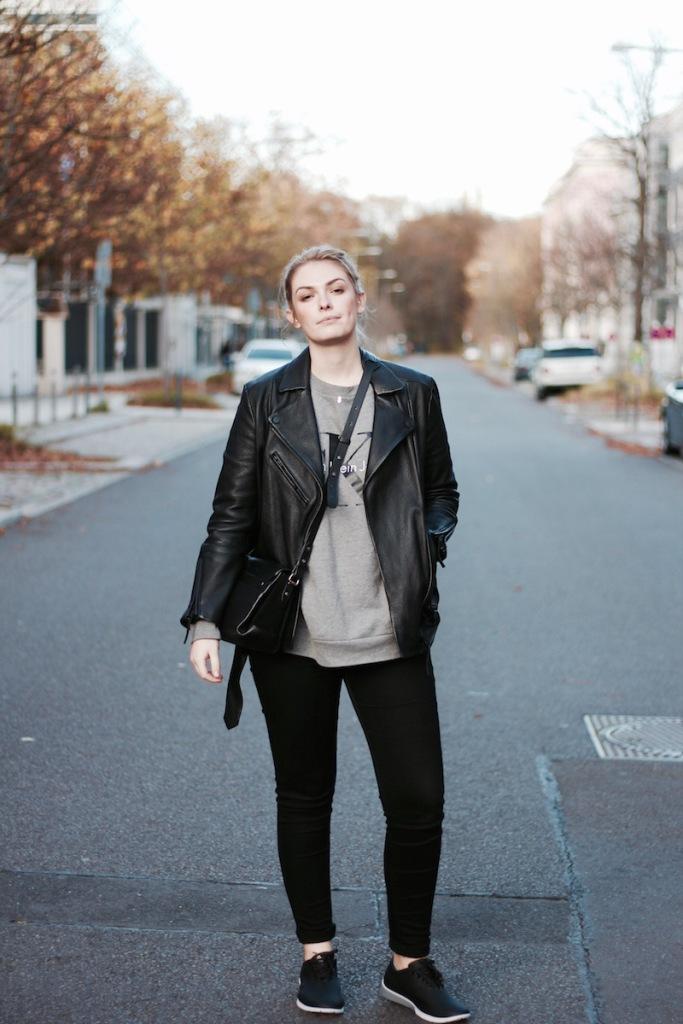 Style-by-Marie-Outfit-Sneakers-Muroexe-Lederjacke-2#