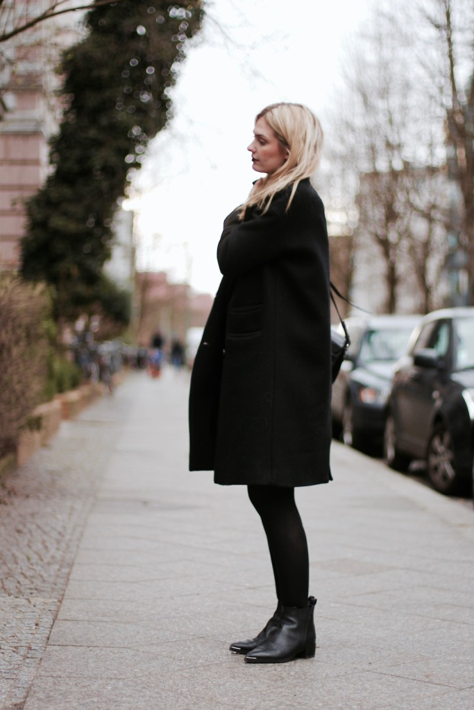 Style-by-Marie-Outfit-Berlin-Samt-Kleid-Layering-2
