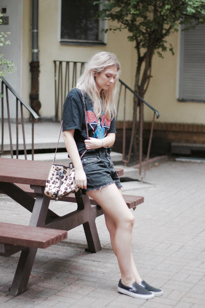 Style-by-Marie-Fashion-Blog-Outfit-David-Bowie-Shirt-3