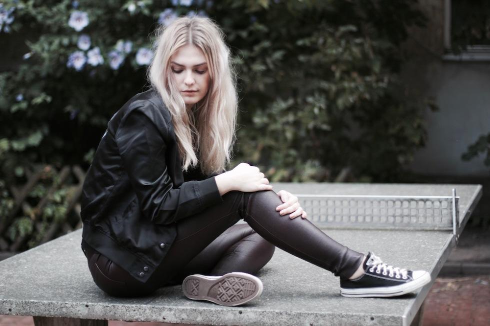 Style-by-Marie-Fashion-Blog-Outfit-Lederhose-Lala-Berlin-Bomberjacke-7