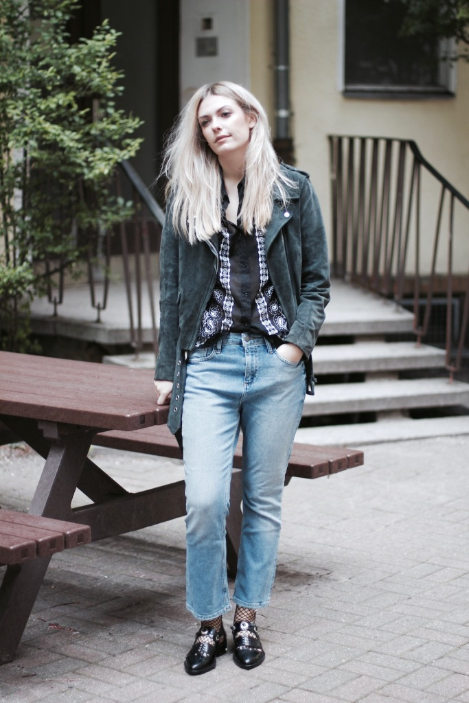 Style-by-Marie-Fashion-Blog-Fishnets-Netzstrumpf-Kick-Flare-Denim-1