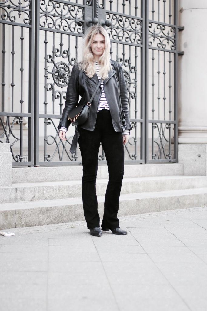 Style-by-Marie-Fashionblog-Outfit-Lederhose-Streifen-5