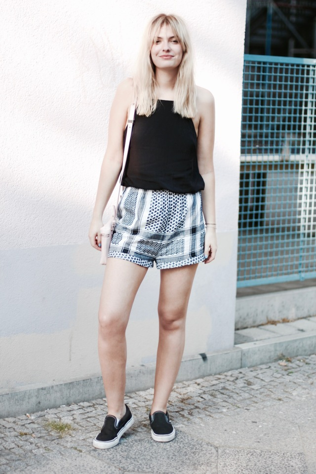 style-by-marie-outfit-cecilie-copenhagen-shorts-vans-2
