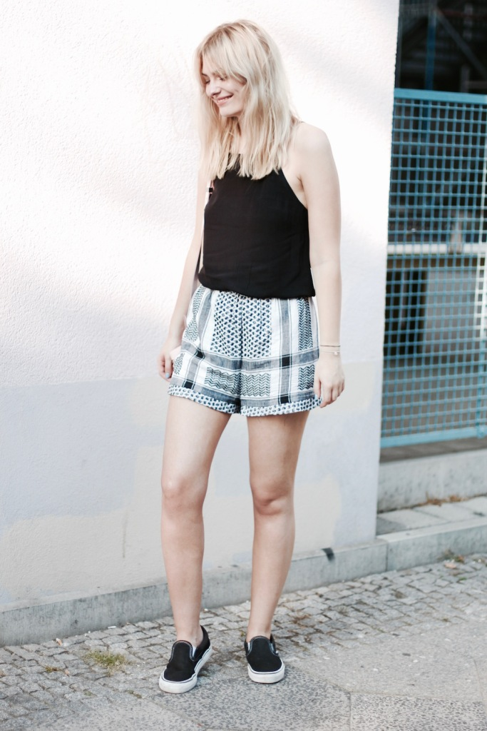 style-by-marie-outfit-cecilie-copenhagen-shorts-vans-3
