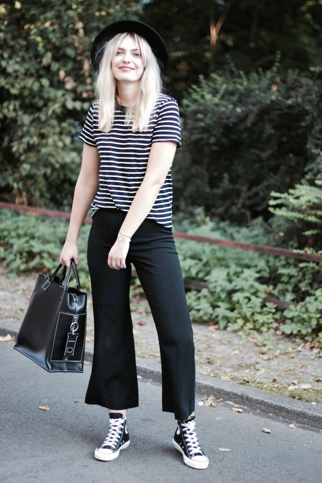 style-by-marie-outfit-cropped-flare-chucks-4