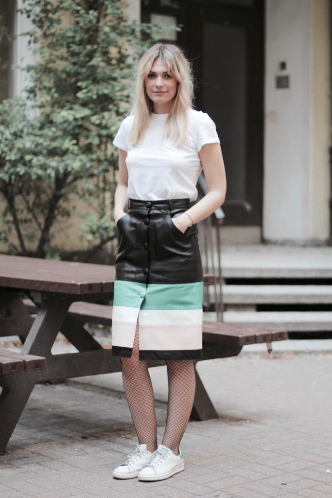 style-by-marie-outfit-lederrock-jonathan-saunders-netzstruempfe-adidas-stan-smith-2